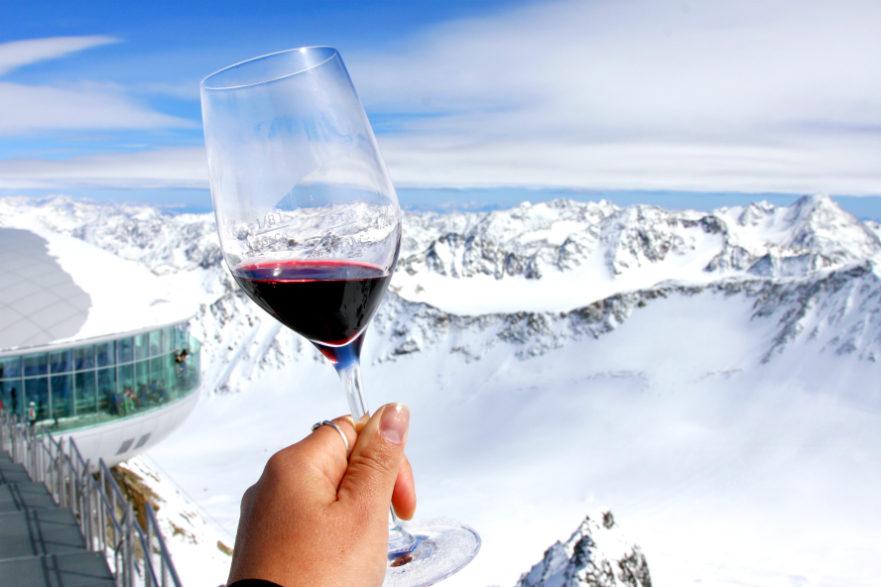 Höchste Weinverkostung und Champagnerdegustation Österreichs am Pitztaler Gletscher