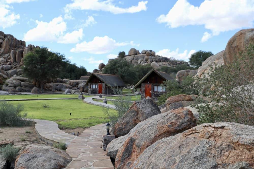 Ungewöhnlich übernachten in Namibia: Zwischen Granitfelsen und dem zweitgrößten Canyon der Welt